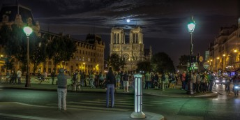 Blue moon in Paris